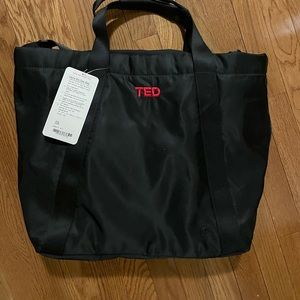Carry the day bag lululemon TED edition